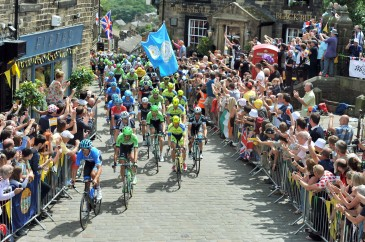 Tour de France through Haworth. 06.07.14 Picture by Roger Moody